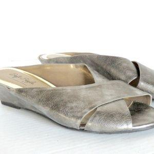 Life Stride Sandal Burnished Silver & Gold Sz 8